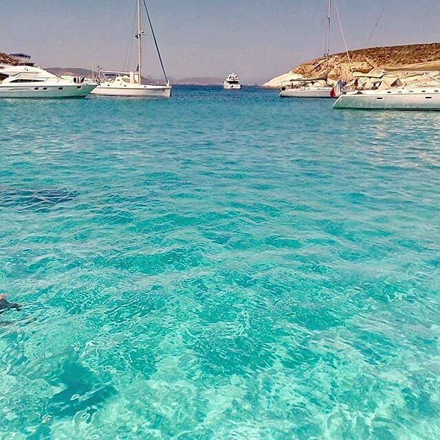 This Magnificent place is Polyaigos island ( Πολύαιγος ) ❤️. One of the largest uninhabited islands in Mediterranean Sea , it has amazing exotic beaches with crystal-clear water and is only accessible by yacht ! A unique destination with a peaceful atmosphere , looks like paradise .