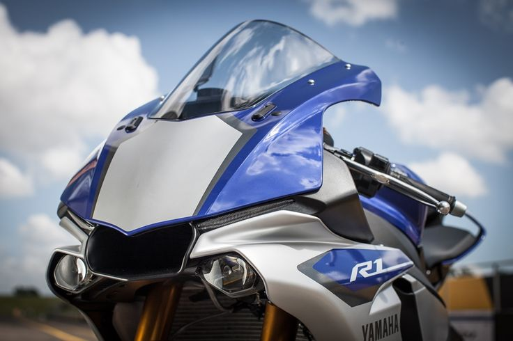 Nuova #Yamaha YZF-R1. #We_R1 #R1