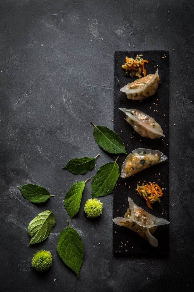 Steamed vegetables dumplings. So pretty and delicious