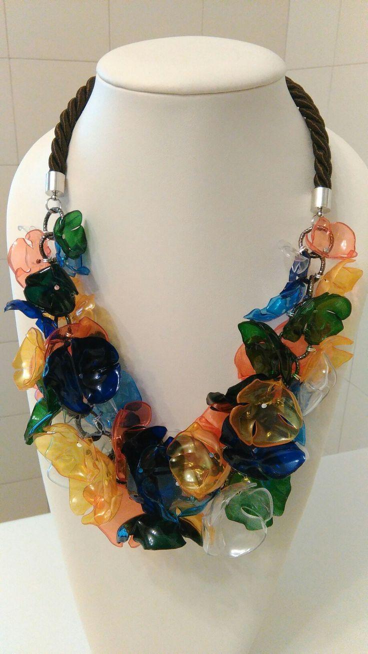 Collana pet, fiori colori vari. Recycled plastic bottles necklace