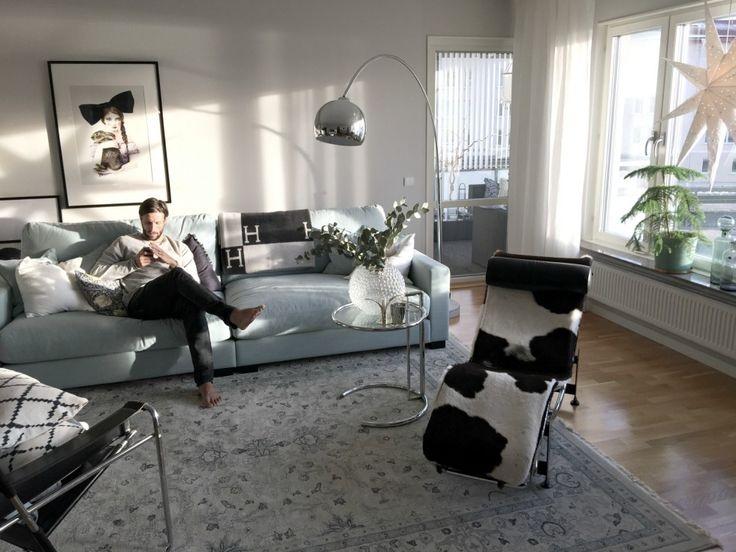 Turkos Valen XL soffa. Djup soffa, vardagsrum, inredning, möbler, låg soffa, linne. http://sweef.se/soffor/149-valen-xl-soffa-i-linne.html