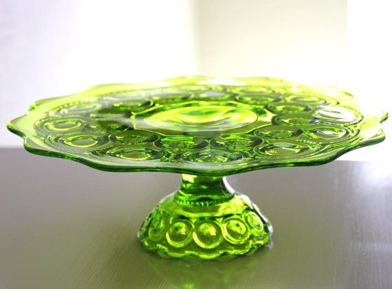 Vintage Cake Plate in Chartreuse Green / Vintage Cake Stand Pedestal / Cake Platter / Cake Salver / Cupcake Stand / Cake Pop Stand