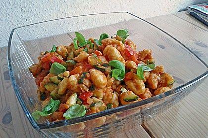 Gnocchi - Salat, ein schmackhaftes Rezept aus der Kategorie Gemüse. Bewertungen: 284. Durchschnitt: Ø 4,4.