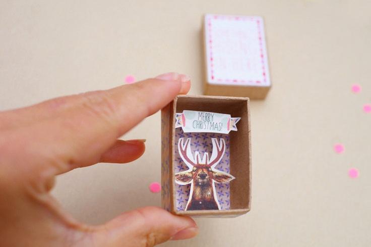 sur chaque table ! Avec une boite d'allumette !!!   Joyeux noel boîte à message. €9,00, via Etsy.