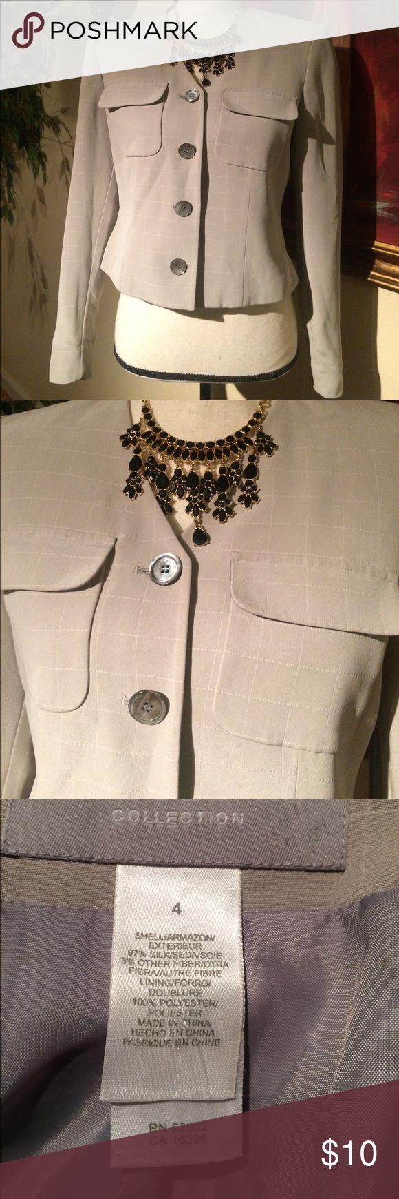 Cute blazer Cute blazer 97% silk size 4 by Liz Claiborne used in great condition Liz Claiborne Jackets & Coats Blazers