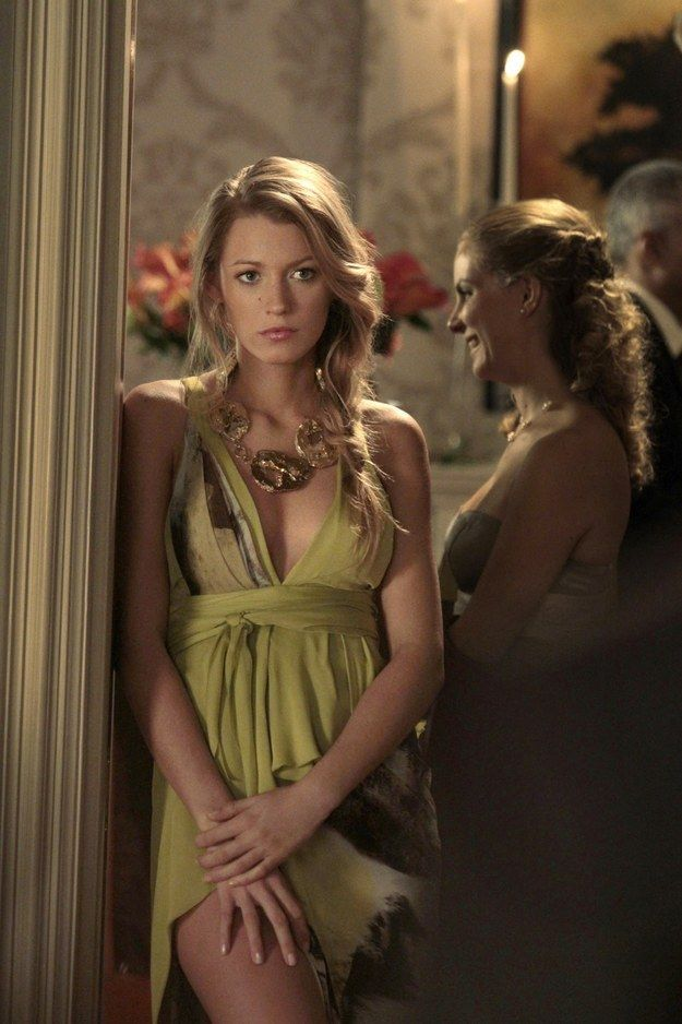 """When she rocked this high-low fancy gown with a rugged side braid you could only dream of: 