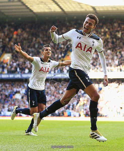 Dele Alli of Tottenham Hotspurcelebrates scoring his sides second goal during the Premier League match between Tottenham Hotspur and Manchester City at White Hart Lane on October 2, 2016 in London, England.