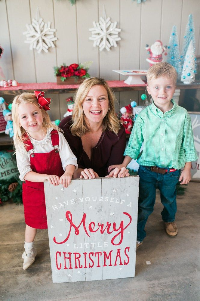 Kids and moms a like enjoy doing crafts together! Why not host a Mom and Me Christmas Craft Party?! Get more ideas via Sarah Sofia Productions!