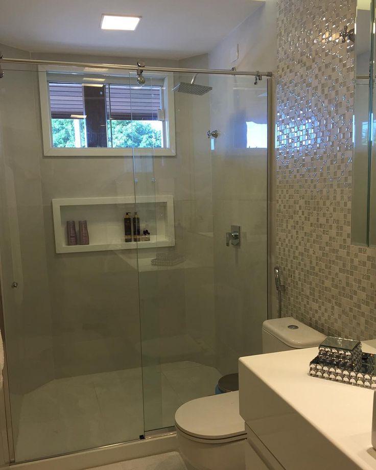 1000+ ideas about Banheiro Com Porcelanato on Pinterest  Porcelanato Cimento -> Nicho Embaixo Da Janela Banheiro