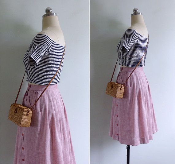 Id say this skirt is such a yummy treat! Vintage 1980s in a pretty heather washed pink, like a red bean potong ice cream! It even comes with an
