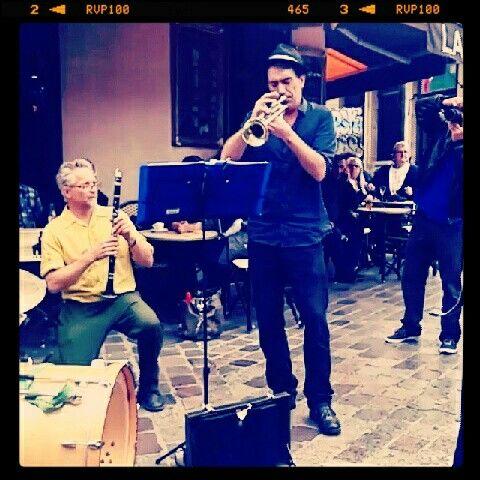 Jazz Manouche in Paris #JazzManouche #MarchédAligre #Jazz #Paris