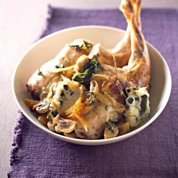 Cuisses de lapin, sauce roquefort - http://www.cuisineetvinsdefrance.com/,cuisses-de-lapin-sauce-roquefort,27959.asp