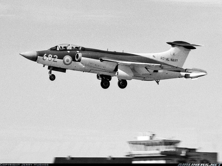 Blackburn Buccaneer S1 aircraft picture
