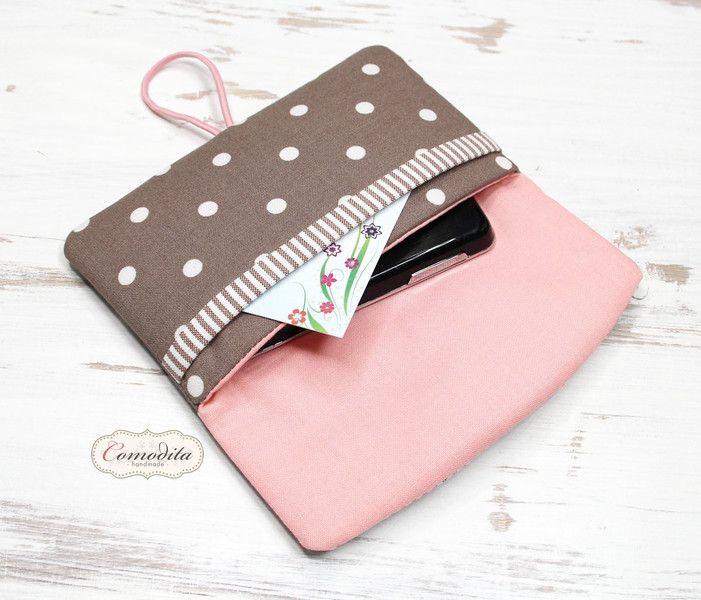 - **Handytasche / Handyhülle / Handysocke / Smartphonetasche mit 2 Fächern**  <p>————————————————————————————————</p>  **Handytasche im Querformat mit 2 Fächern**. Die praktische Handytasche...