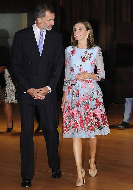 Love Letizia's dress, so pretty. Plus, Felipe is so handsome.