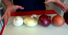 The family of onions is undoubtedly one of the most important for our health. These versatile vegetables can be consumed in various ways, either cooked, in soups, sandwiches, or raw. Yet, there are among the favorite ingredients in countless meals. Chef Buck made a short funny video to demystify this beneficial vegetable, but he also ...