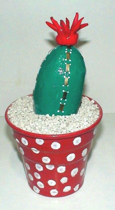 #taşboya #tasboya#kaktüs #cactus #kaktüsçiçeği #cactusflower #cactusflowers #kaktussaksisi #kar #beyaz #karkonsepti #kartopu #snowbell #snow #kartanesi #snowflake #winter #december #white #dekoratifsaksı #dekoratifeşya  #noel #christmas #yılbaşı #hediye #hediyeler #craft #crafts #hediyelikeşya #hediyelik