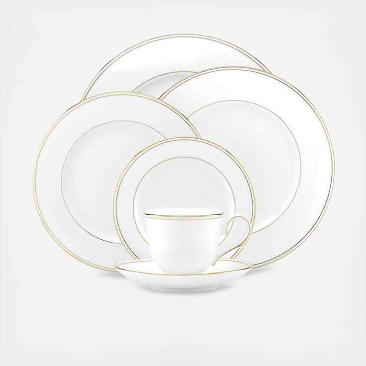 A classic pattern is rediscovered in the Federal Gold 5-pc Place Setting with bands of shimmering 24 karat gold on white bone china that is the definition of grace and luxury. This dinnerware is a timeless choice for every table.