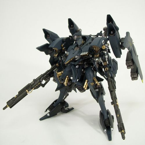 Now THAT's an Armored Core: Aaliyah Custom   Raven Republic
