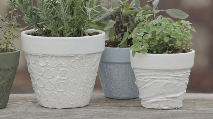 Turn an ordinary clay pot into a charming container #garden with this easy #DIY