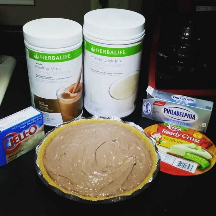fresh Chocolate Cheesecake Herbalife pie so yummy and good for you.  Cut in 8 slices, each slice equals your shake plus 50 calories.