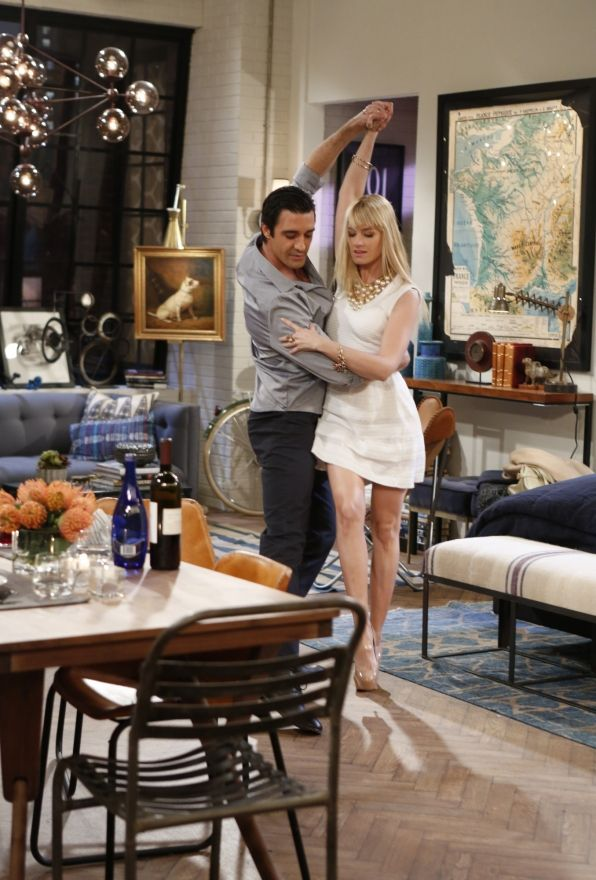 Takes two to tango ~ 2 Broke Girls ~ Episode Stills ~ Season 3, Episode 17 ~ And The Married Man Sleepover