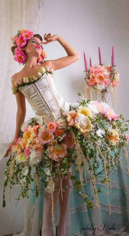 Great use of flowers that makes it perfect for a faerie, will definitely use something like this to create a costume for a faerie