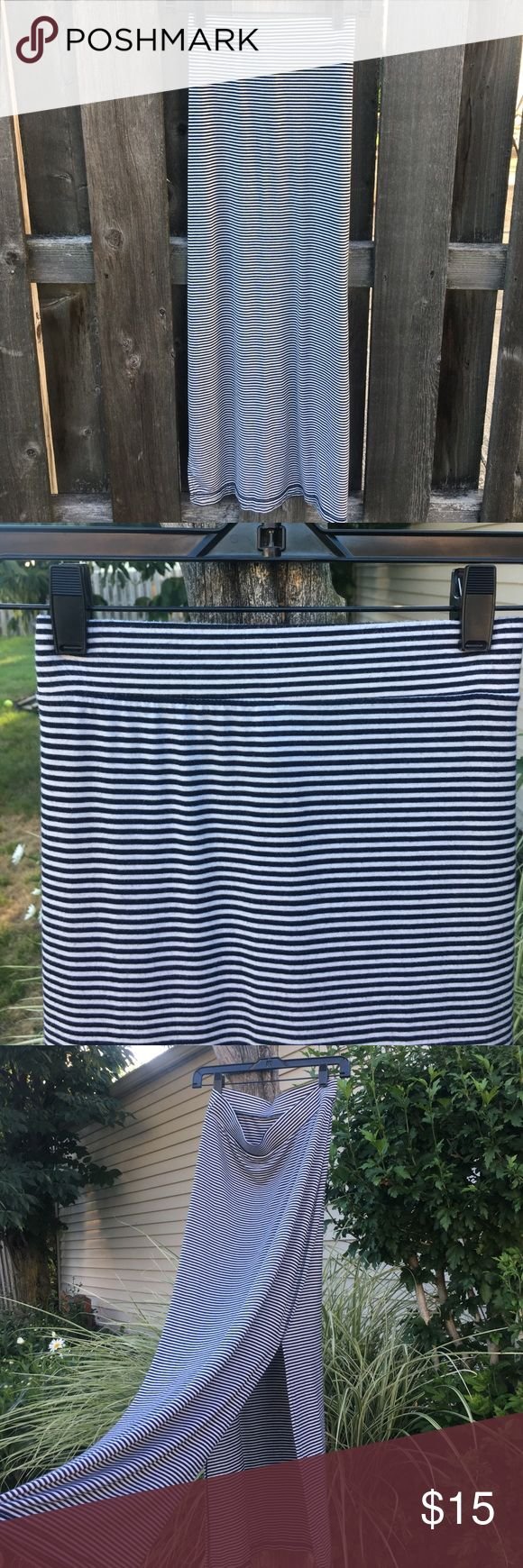 Old Navy Dark Blue and White Stripped Maxi Skirt Size small, Knit maxi skirt from Old Navy with a slit down each side. No stains or rips. Length is approx. 38 inches. Length of slit is approx 18 inches (see picture). Old Navy Skirts Maxi