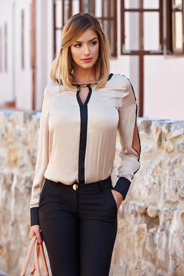 Bluza PrettyGirl New Beginning Cream. Bluza eleganta din material satinat. Este…