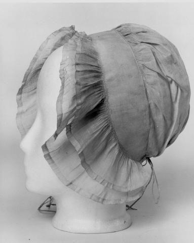 Bijlokemuseum Objet (type): muts Title: Damesmutsje Author: onbekend (wever) Date: from 1751 to 1800