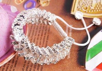 Extravagáns shamballa karkötő :) már a webshopban. www.csajoscuccok.eu
