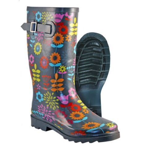 Cutest rain boots for spring gardening and chores! Itasca Women's Rubber Pull-On Boots