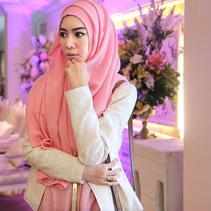 Fitri Aulia. Wearing Zalfa Dress on Pink by KIVITZ and Songket Aceh Blazer.