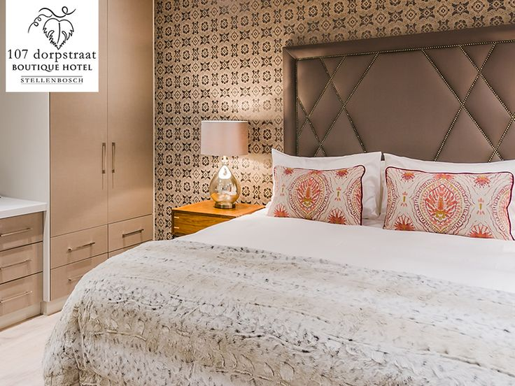 We offer en-suite luxury double bedrooms with 100% percale cotton bed linen on queen comfort beds. Link: http://ow.ly/YRXCq