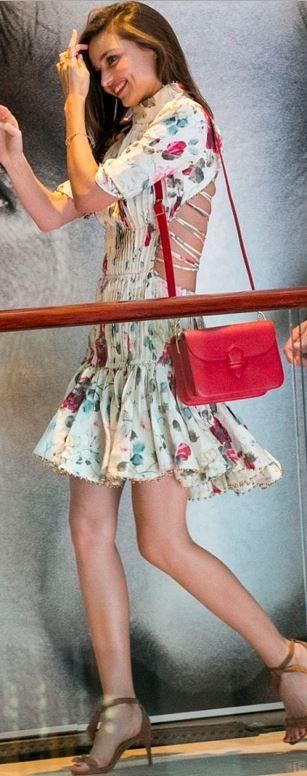 Miranda Kerr Zimmermann Elbise ve Alexandre Birman Ayakkabıları ile...
