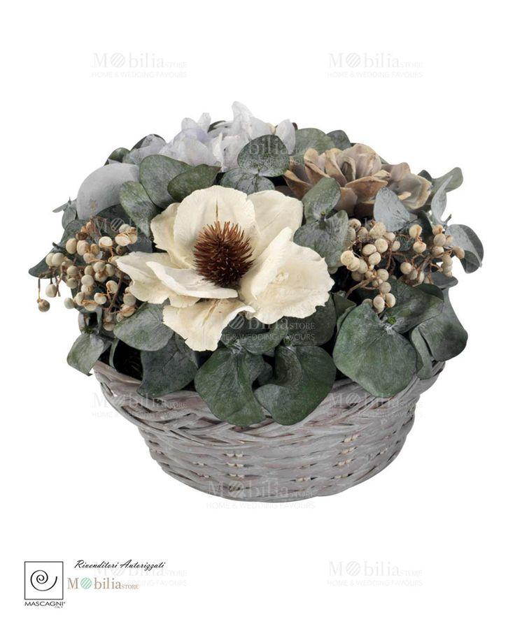 Centrotavola Cestino Mascagni  in vimini e fiori secchi, ideali per arredare la tua casa, perché è la cura dei particolari a rendere un ambiente davvero confortevole. Scopri le nuove ed eccezionali promozioni su Mobilia Store