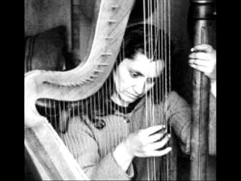 "Violeta Parra ""Gracias a la vida"" - YouTube"