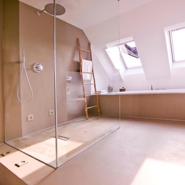 große Dusche dachschräge betonboden badewanne ba... in