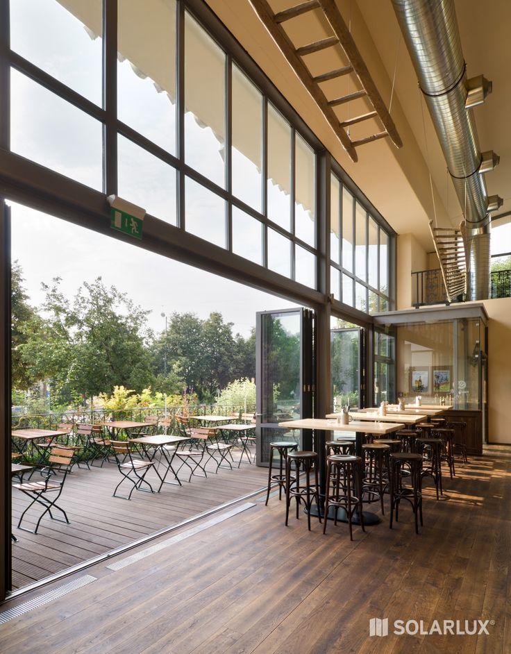 Perfekt für den Gastronomie Bereich: Die #GlasFaltwand SL 81