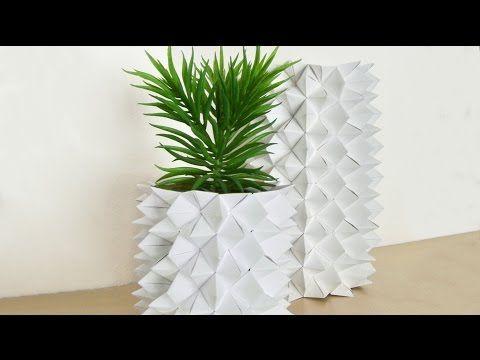Stylische Origami Vase: Mit Himmel & Hölle Origami könnt ihr ganz einfach diese Vase basteln und eure Regale aufpeppen!