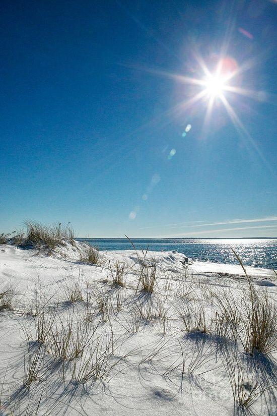 Bristol Beach ~ Cape Cod ≈ Classica giornata estiva, col #Sole splendente nel cielo terso e da passare idealmente in spiaggia.