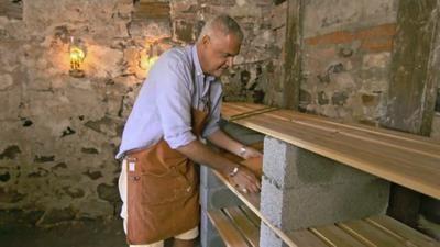 Bygg en enkel förvaringshylla till källaren