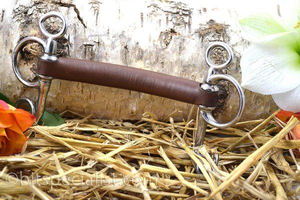 Pelham, stang, met leder bekleed Pelham, straight, covered with leather