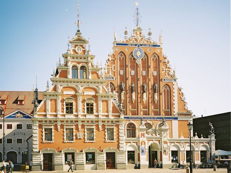The House Of Blackheads In Riga Latvia Por Wikimedia