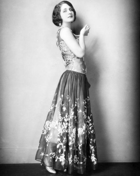 Norma Shearer, March 1925