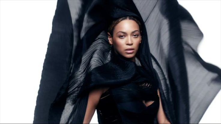 Beyoncé in Ghost giving chic burqa realness