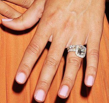 Danielle Jonas wedding ring! I need this!