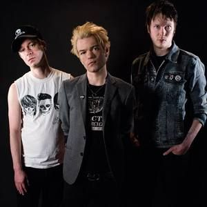 Keep up to date on the new Sum 41 album!