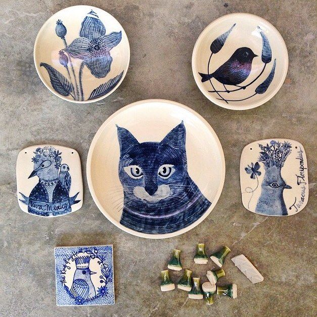 Here is the kitty with some other cobalt pieces I made  Aca está el gatito y otras piezas que decorè con cobalto #tbt