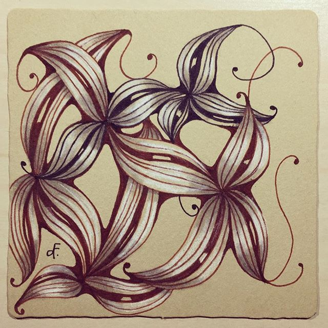 """Practicing """"Three Little Rules"""" by Helen Williams #renaissancetile #zia #zentangle #helenwilliams #sunday #hearttangles"""